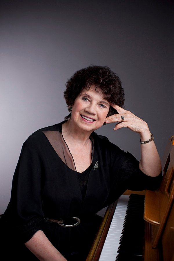 5/27/10 6:20:24 PM -- Chicago Symphony Orchestra Portrait Sessions: Piano Mary Sauer © Todd Rosenberg Photography 2010