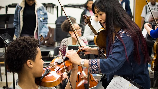 Boston Pops Violinist Dorothy Han Returns to Alma Mater to Teach Kenwood Students About Music & More