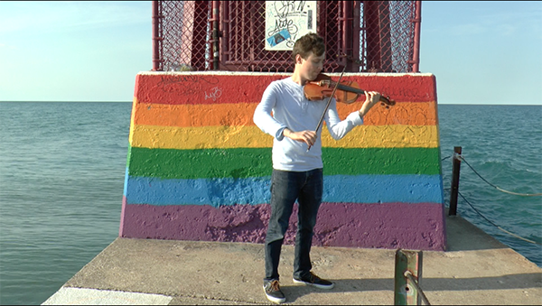 VIDEO: After coming out as gay, this Russian violinist can't return home. This is how music helped him find acceptance
