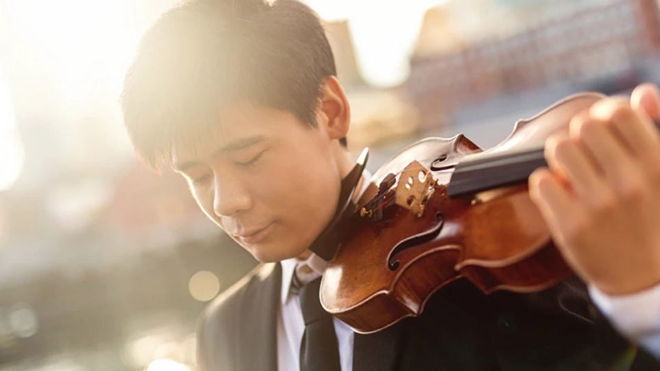 Violinist Angelo Xiang Yu (Photo: Kate Lemmon)