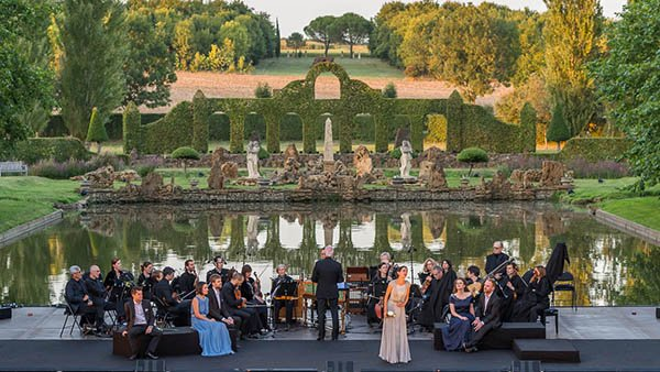 Baroque music flourishes in the gardens of William Christie
