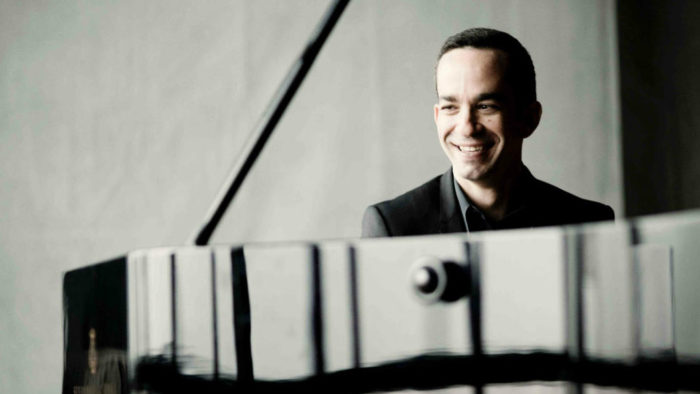 Pianist Inon Barnatan. (Photo: Marco Borggreve)