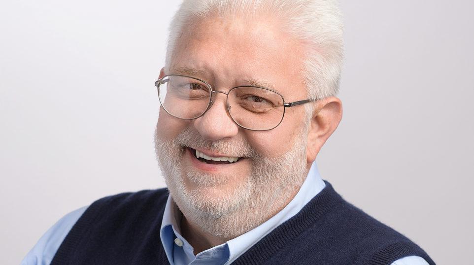 "Classical radio host Carl Grapentine announces retirement from ""dream job"" at WFMT"