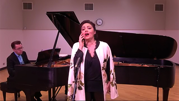 VIDEO | Soprano Ailyn Pérez performs LIVE at WFMT