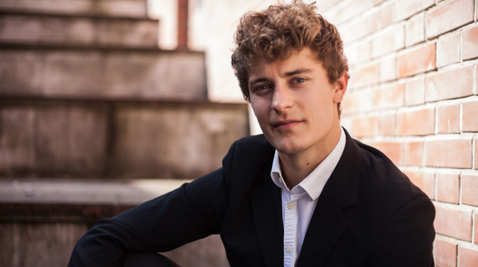 Watch breakdancing countertenor Jakub Józef Orliński perform LIVE at the WFMT studios