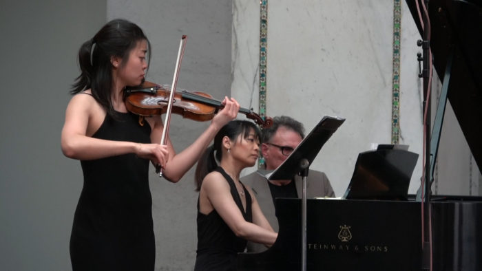 Watch violinist Alicia Choi and pianist Futaba Niekawa perform live at the Chicago Cultural Center