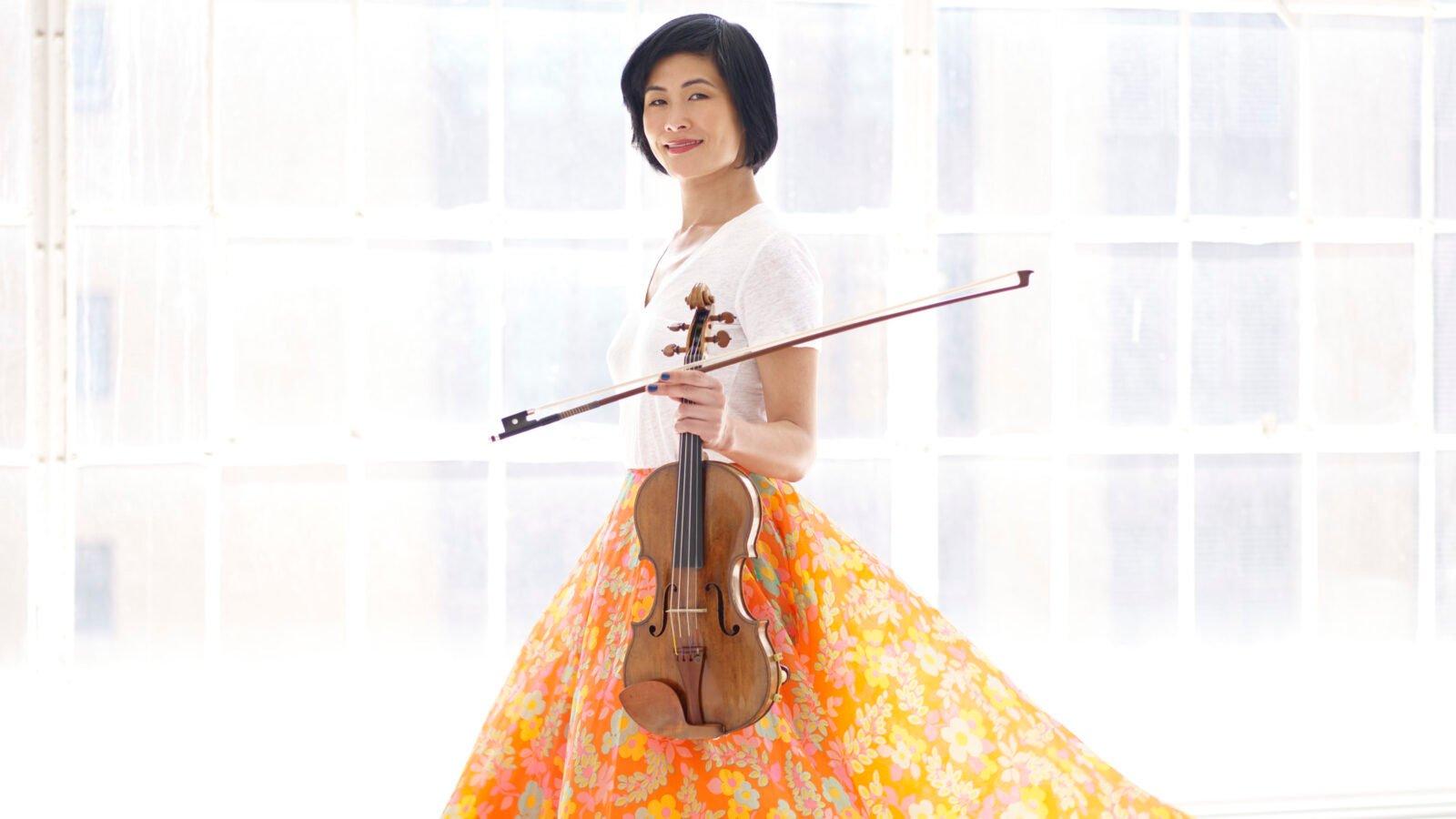 Violinist Jennifer Koh (Photo Juergen Frank)