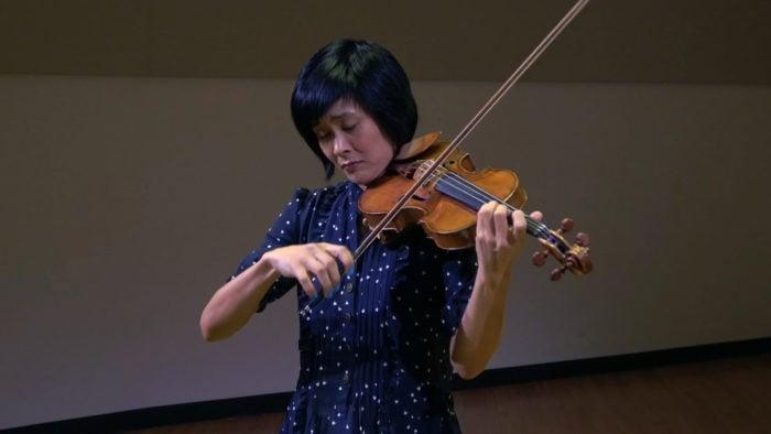 Violinist Jennifer Koh performing in WFMT's Levin Performance Studio