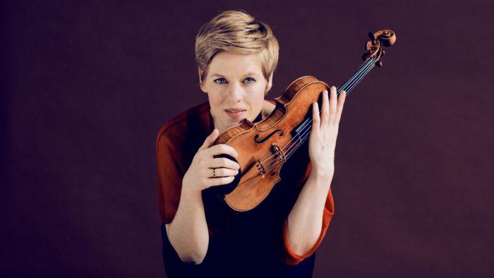 Violinist Isabelle Faust (Photo: Felix Broede)