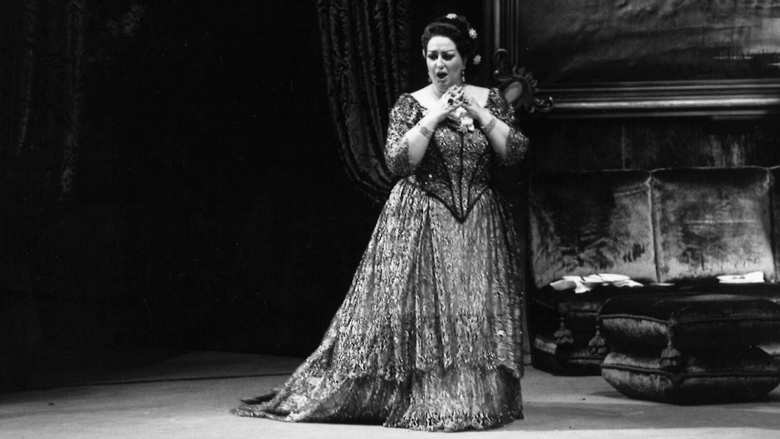 In 1970, Montserrat Caballé performed in Lyric Opera of Chicago's <i>La traviata</i>, her Lyric debut. (Photo: David H. Fishman/Lyric Opera of Chicago)