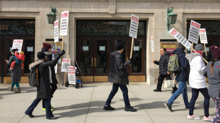 Chicago Symphony Orchestra Musicians take to the picket line