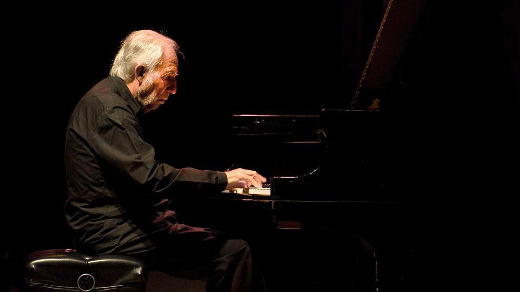 Jacques Loussier performs in 2008 (Photo: Jose Luis Lopez)