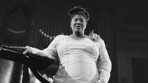 """""""High priestess"""" or """"master of an art of singing""""? Changing the conversation about Mahalia Jackson"""