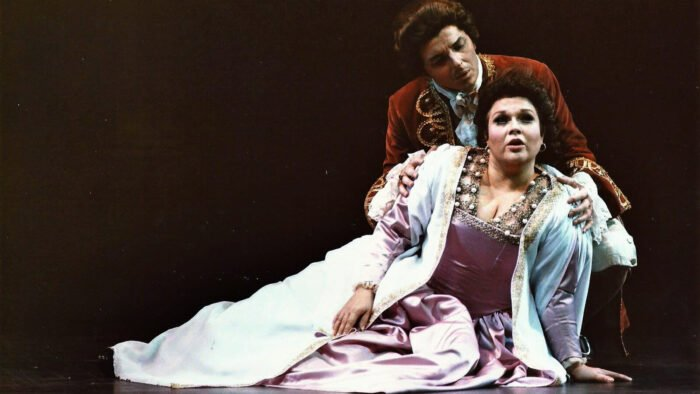 Marilyn Horne as Mignon in performance