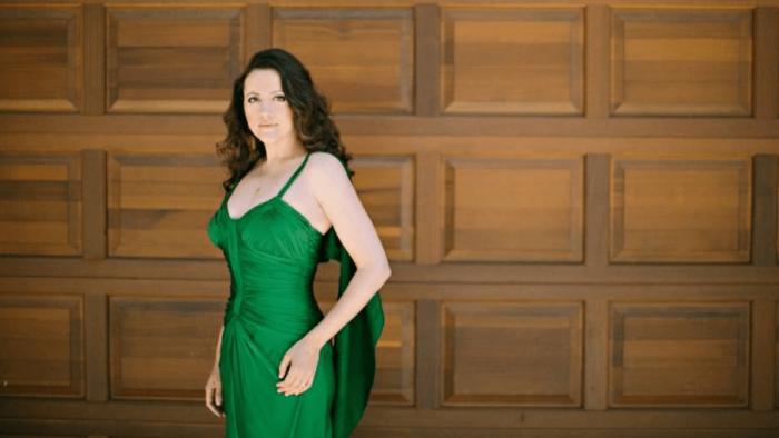 Soprano Amanda Forsythe portrait in emerald gown