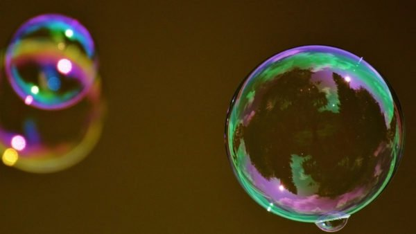 """Watching this """"bubble smith"""" blow big bubbles to Bach on a beach is your Moment of Zen for the week"""